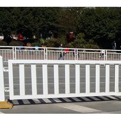 港式护栏-路中式C款